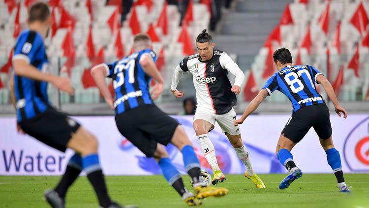 Inter Milan sekali lagi kalah lawan Juventus dalam pertandingan Serie A Liga Italia pekan ke-26. Satu pemain tim tamu pun dinilai sebagai biang kerok. Copyright: © Twitter/@juventusfcen