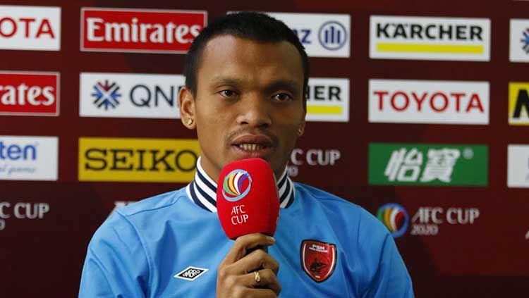 Sesi jumpa pers PSM Makassar sebelum melawan Kaya FC diajang Piala AFC 2020 diwakili oleh pelatih Bojan Hodak dan pemain Ferdinand Sinaga. Copyright: © Ofisial PSM