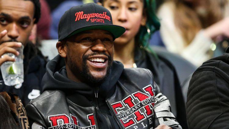 Petinju asal Amerika Serikat, Floyd Mayweather Jr membeberkan kelakukan rasis mantan petarung MMA, Conor McGregor di masa lalu. Copyright: © Carmen Mandato/Getty Images