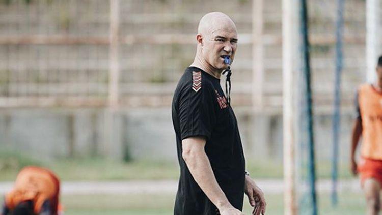 Pelatih asal Spanyol, Rafael Berges Marin dikabarkan bergabung dengan Mitra Kukar. Copyright: © Instagram/@badaklampungfc