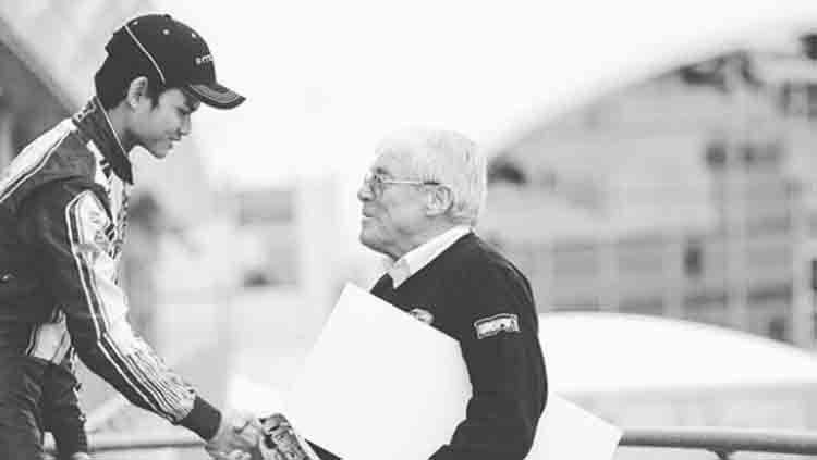 Perdana Putra Minang, pembalap muda berusia 18 tahun ternyata pernah mengharumkan nama Indonesia di ajang balap Internasional. Copyright: © Instagram @perdanaminang