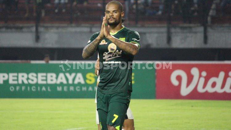 Setelah banyak simpang siur soal nasibnya, David Da Silva akhirnya sepakat tetap bertahan di Persebaya Surabaya untuk Liga 1 2020. Copyright: © Fitra Herdian Ariestianto/INDOSPORT