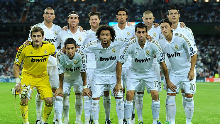 Real Madrid di bawah asuhan Jose Mourinho musim 2011/12 adalah salah satu tim terhebat sepanjang masa yang sayangnya kerap dipandang sebelah mata. Copyright: © Jasper Juinen