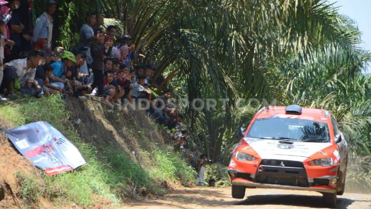 Kejuaraan Reli APRC di Sumatera Utara, pada 2019 lalu. Copyright: © Aldi Aulia Anwar/INDOSPORT