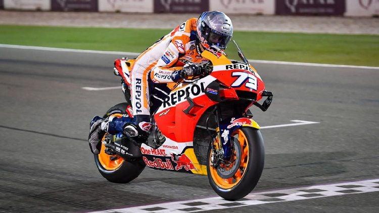 Bos tim Repsol Honda, Alberto Puig mengungkapkan bagaimana nasib Alex Marquez yang kontraknya akan habis pada akhir MotoGP 2020 nanti. Copyright: © MotoGP