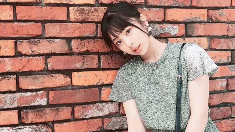 Nama seorang bocah perempuan asal Jepang, Momoka Kurita sempat menghebohkan dunia lantaran di sebut-sebut sebagai umbrella girl termuda di dunia. Copyright: © Instagram@kurimomo330