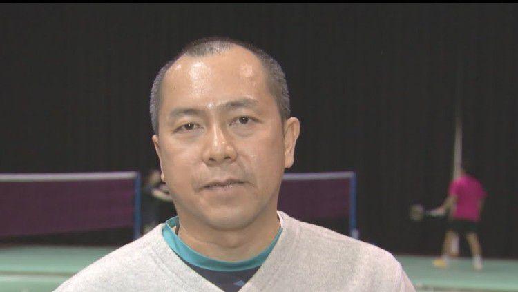 Pelatih tim bulutangkis Jepang, Tan Kim Her. Copyright: © Youtube: badmintonworld.tv