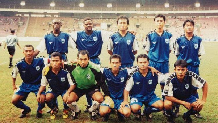 Tim PSIS Semarang berhasil mencatatkan sejarah saat berhasil menjuarai kompetisi Liga Indonesia (LIGINA) V di tahun 1999. Copyright: © fandom.id