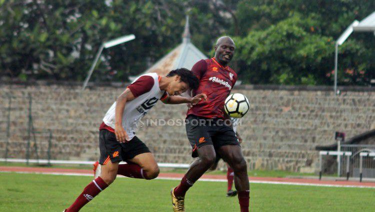Keputusan manajemen klub Liga 2, Persis Solo, yang mendepak Bruno Casimir berimbas pada komposisi tim. Copyright: © Ronald Seger/INDOSPORT
