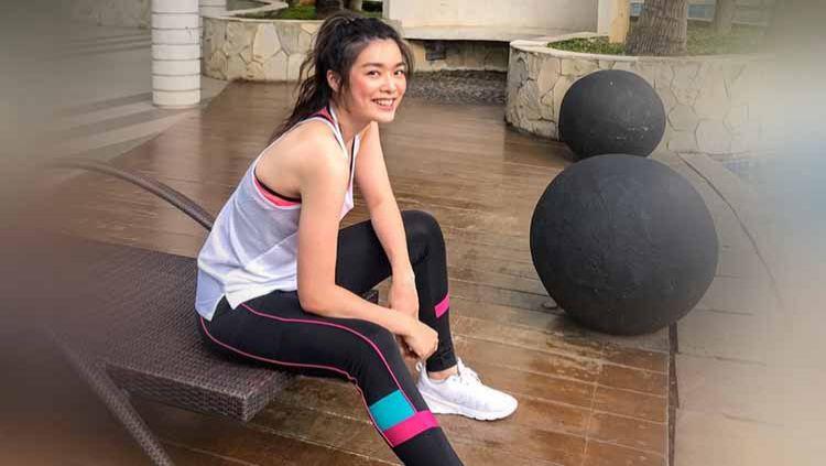 Pandemi virus Corona seolah tak menghalangi Miss World Indonesia 2020, Carla Yules untuk berolahraga. Copyright: © Instagram@carlayules