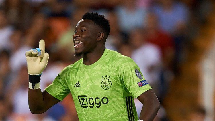 Sudah saling sepakat, Chelsea dikabarkan selangkah lagi bakal mendapatkan Andre Onana dari Ajax di bursa transfer musim panas mendatang. Copyright: © David Aliaga/MB Media/Getty Images
