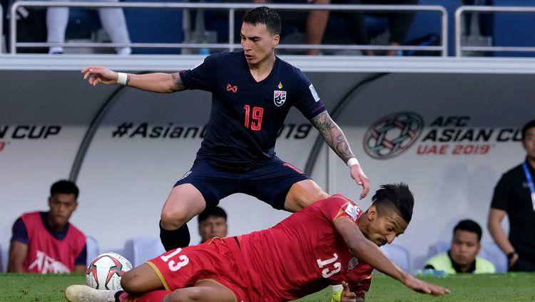 Bek kanan Thailand berdarah Prancis bernama Tristan Do menebar ancaman untuk Timnas Indonesia di Kualifikasi Piala Dunia 2022. Copyright: © Allsport Co./Getty Images