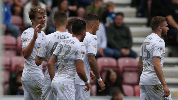 INDOSPORT mencoba untuk merangkum 3 wonderkid Leeds United yang kemungkinan bisa mengguncang Liga Inggris musim depan. Copyright: © Stephen White - CameraSport via Getty Images