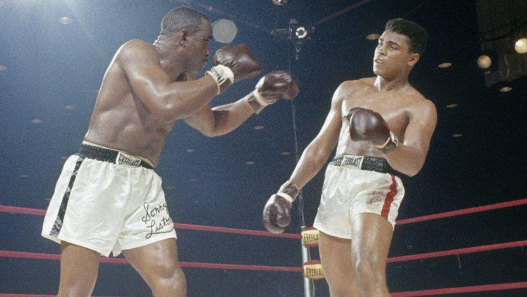 Disebut Muhammad Ali sebagai lawan paling menakutkan yang pernah dihadapinya, kematian Sonny Liston menjadi salah satu misteri terbesar di dunia tinju hingga saat ini. Copyright: © Tony Triolo/Sports Illustrated/Getty Images
