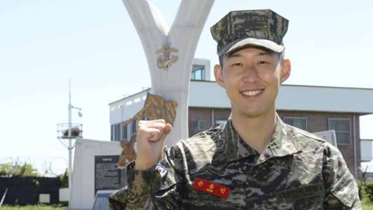 Son Heung-Min baru-baru ini mengungkapkan beratnya 3 minggu yang dia lalui ketika menjalani wajib militer yang berhasil dia selesaikan beberapa waktu lalu. Copyright: © m.chosun.com