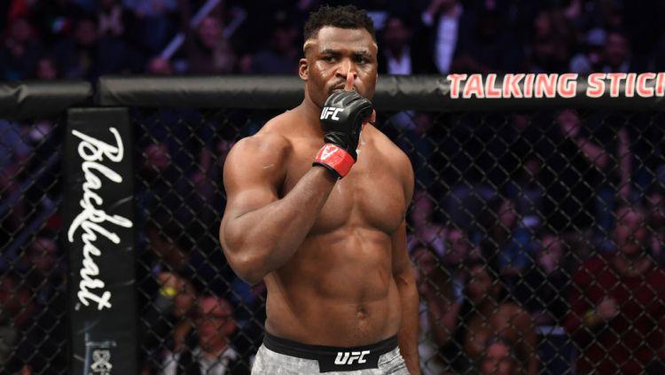 Kekuatan raja baru kelas berat UFC, Francis Ngannou memang sudah tak diragukan lagi, bahkan ia dianggap memiliki tubuh seperti besi. Copyright: © Josh Hedges/Zuffa LLC/Zuffa LLC via Getty Images