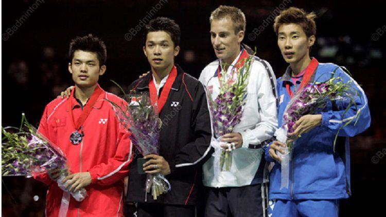 Big Four Kings legendaris bulutangkis, Taufik Hidayat (hitam), Lin Dan (merah), Lee Chong Wei (biru), dan Peter Gade Christensen (putih). Copyright: © Badminton Photo