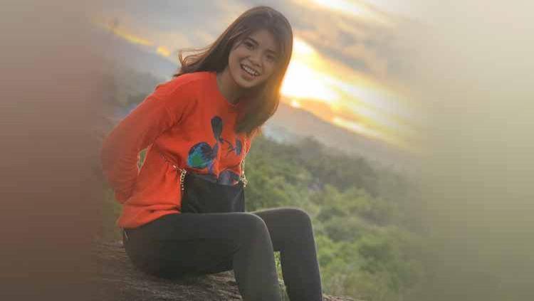 Layaknya di Eropa, sosok WAGS para pesepak bola Indonesia pun mulai populer, seperti yang terjadi pada Shella Pricilia, kekasih Osvaldo Haay. Copyright: © Instagram@shellaprcilia