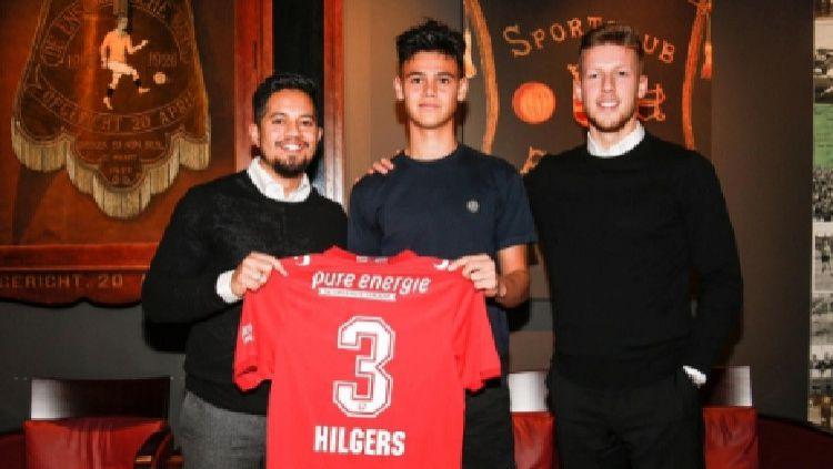 Sejumlah keuntungan mungkin akan menghampiri Timnas Indonesia jika nantinya sampai diperkuat bek FC Twente, Mees Hilgers. Copyright: © Facebook/primesportbusiness