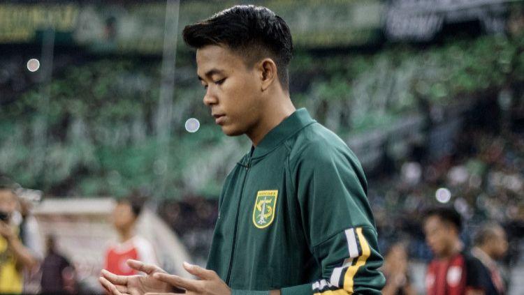 Winger lincah Timnas Indonesia U-19, Supriadi berambisi kembali membawa kemenanga ketika Timnas Indonesia U-19 menghadapi Qatar U-19. Copyright: © persebaya.id