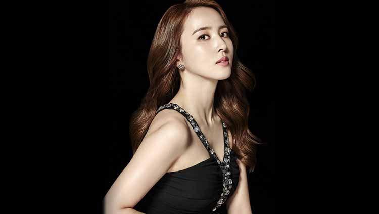 Aktris korea, Han Hye-jin, ternyata merupakan istri mantan pemain Newcastle United, Ki Sung-yueng. Copyright: © underhiswings2016/instagram