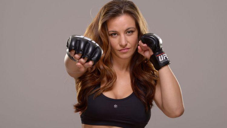Miesha Tate, petarung UFC cantik yang memiliki kisah unik dalam hidupnya. Copyright: © Jeff Bottari/Zuffa LLC/Zuffa LLC via Getty Images