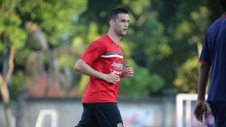 Nemanja Vidakovic pernah jadi idola bagi Semeton Dewata. Penyerang asal Serbia ini menjadi top skor Bali United saat berlaga di Indonesia Soccer Championship. Copyright: © Ofisial Bali United