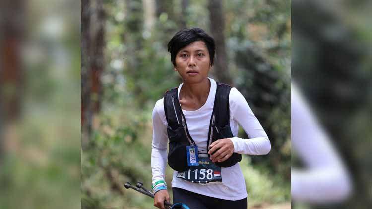 Kisah pelari lintas alam wanita Indonesia Eni Rosita yang bisa bangkit usai disiram air keras oleh orang tak dikenal beberapa tahun lalu. Copyright: © Instagram/@abangeni
