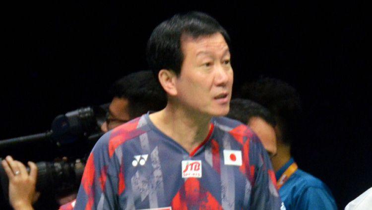 Pelatih kepala Jepang, Park Joo-bong angkat suara soal absennya Indonesia dan negara saingan lainnya di kompetisi All England 2021. Copyright: © The Asahi Shimbun via Getty Images