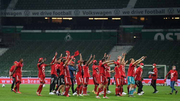 Selebrasi pemain Bayern Munchen usai juara Bundesliga Jerman Copyright: © Stuart Franklin/Getty Images