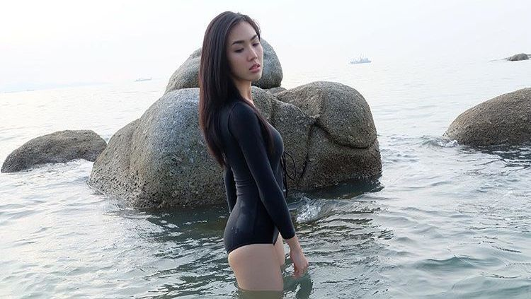 Reporter cantik asal Thailand, Gift Pitakporn. Copyright: © Instagram