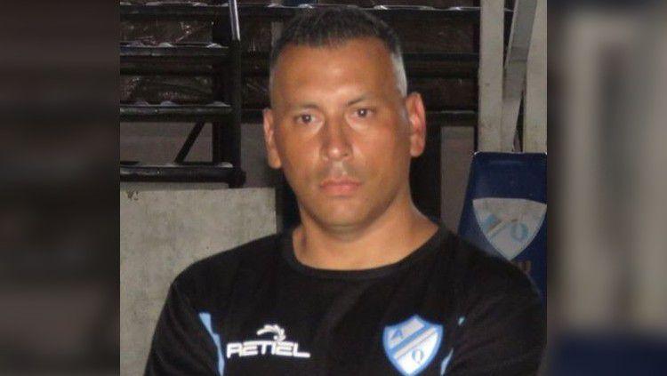 Pelatih sepak bola asal Argentina, Carlos Alberto Gomez. Copyright: © Dok Pribadi