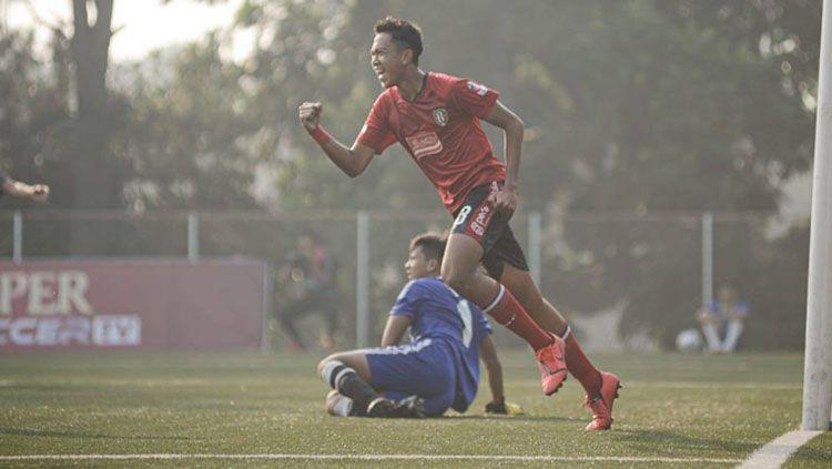 Wonderkid Bali United, Kadek Dimas Satria, tak patah semangat setelah dicoret Timnas Indonesia U-19. Copyright: © Bali United