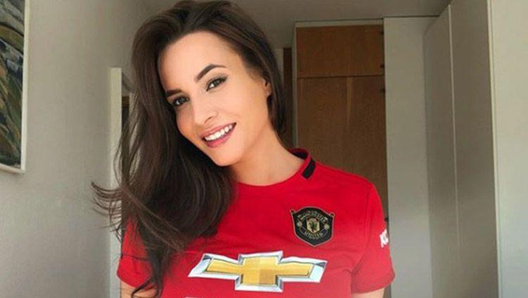 Suporter setia Manchester United, Katrina Maria. Copyright: © Instagram/katrina.maria