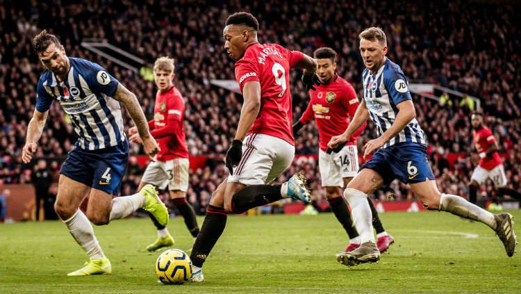 Pertandingan Brighton and Hove Albion vs Manchester United bisa disaksikan melalui layanan live streaming. Copyright: © Ash Donelon/Manchester United via Getty Images