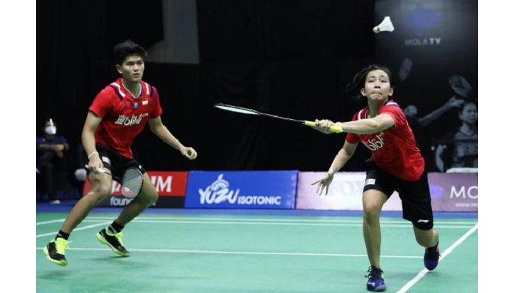 Pasangan ganda campuran Adnan Maulana/Mychelle Chrystine Bandaso di Mola TV PBSI Home Tournament. Copyright: © PB Djarum
