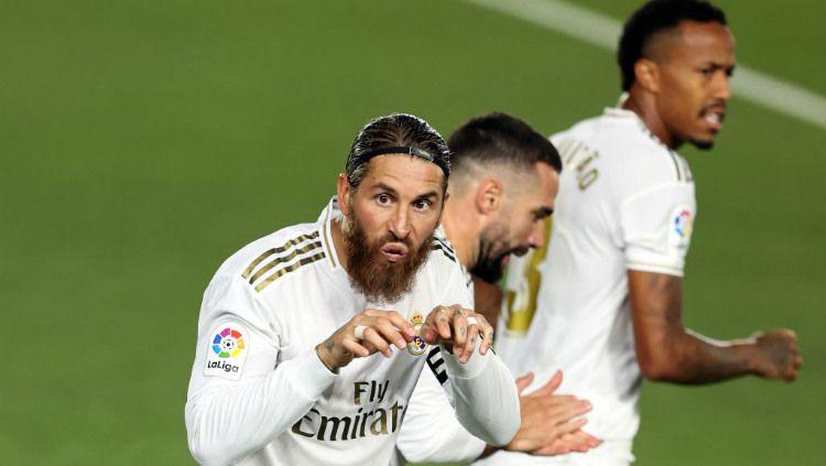 Sergio Ramos akhirnya luluh ingin bertahan di raksas LaLiga Spanyol, Real Madrid dengan syarat tak terduga. Copyright: © Angel Martinez/Getty Images