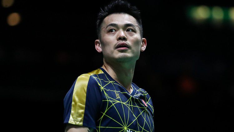 Keputusan Lin Dan mundur dari dunia bulutangkis internasional membuat media China mendadak amnesia dengan pemain tunggal putra terbaik lainn Negeri Tirai Bambu. Copyright: © Shi Tang/Getty Images
