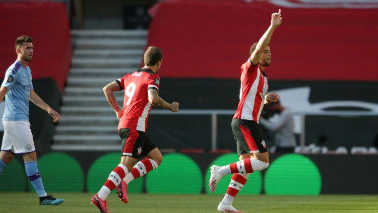 Selebrasi gol Che Adams di laga Southampton vs Manchester City Copyright: © Robin Jones/Getty Images
