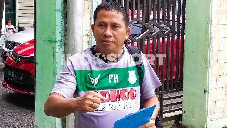 Pelatih PSMS Medan, Philep Hansen. Copyright: © Aldi Aulia Anwar/INDOSPORT