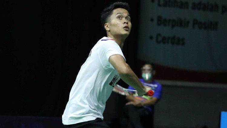 Soroti pertandingan Anthony Sinisuka Ginting vs Bobby Setiabudi di penyisihan grup Mola TV PBSI Home Tournament, media China berikan pujian ini. Copyright: © Badminton Indonesia