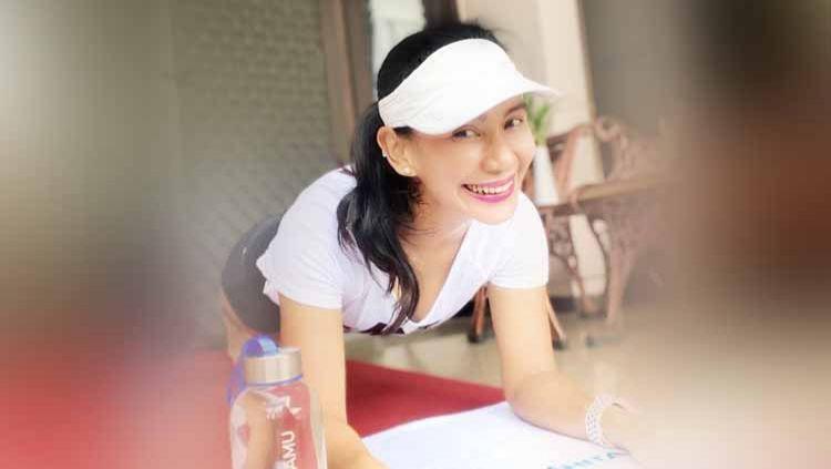 Dosen cantik asal Surabaya yang bernama Fitri Ismiyanti punya gaya hidup sehat dengan aktif bersepeda. Copyright: © Instagram@fitri_ismi