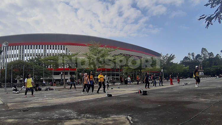 Pemerintah Kota (Pemkot) Solo resmi membuka kembali Stadion Manahan untuk beraktivitas olahraga, Minggu (12/07/20). Copyright: © Ronald Seger Prabowo/INDOSPORT