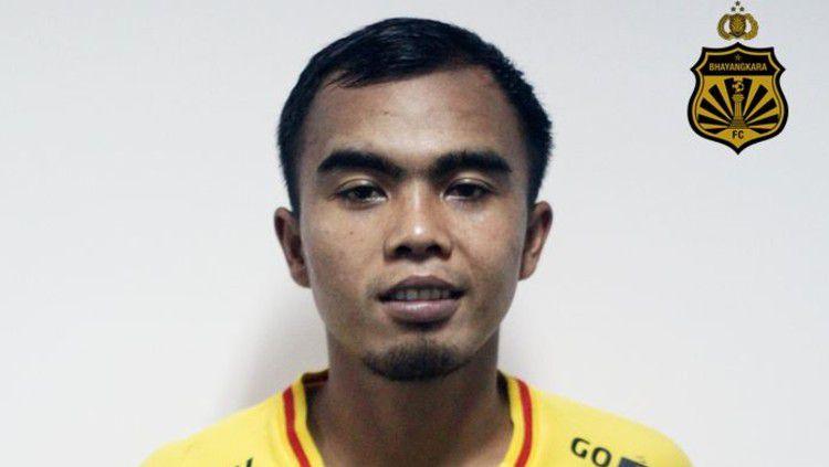 Bek Bhayangkara FC, Muhammad Fatchurohman dilaporkan sudah dalam kondisi fit, setelah sempat mengalami cedera. Copyright: © https://bhayangkara-footballclub.com/