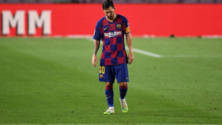 Lionel Messi dan salah satu rekan setimnya alami perpecahan hubungan hingga buat raksasa LaLiga Spanyol, Barcelona jadi mencekam. Copyright: © David Ramos/Getty Images