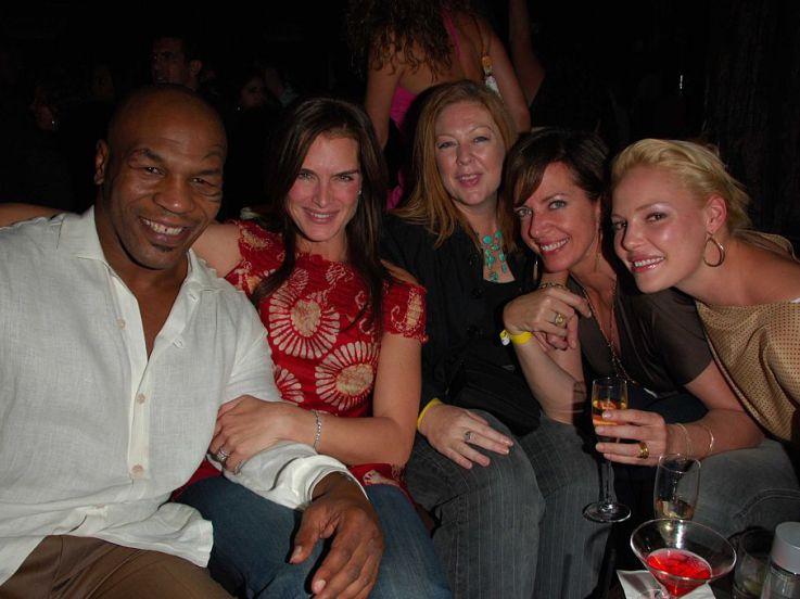 Kisah 'Surga Dunia' Mike Tyson, Tiduri 1300 Wanita dengan Sabuk Juara Tinju