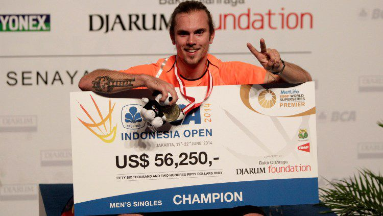 Jan O Jorgensen juara Indonesia Open 2014 usai mengalahkan Kenichi Tago. Copyright: © Robertus Pudyanto/Getty Images