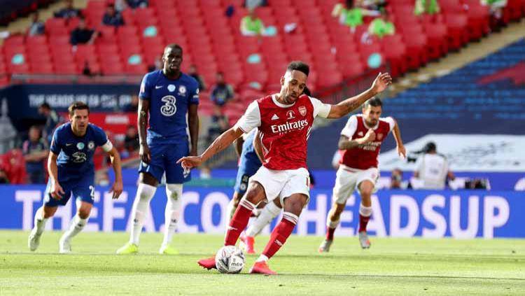 Seret Gol di Liga Inggris, Mikel Arteta Beri Saran ke  Pierre-Emerick Aubameyang. Copyright: © Catherine Ivill/Getty Images