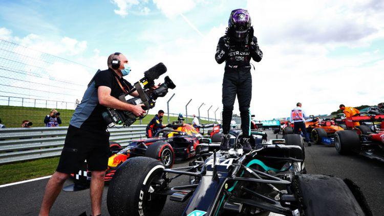 Momen penuh ketegangan mewarnai perjuangan Lewis Hamilton untuk mengunci gelar juara Formula 1 (F1) GP Inggris di Sirkuit Silverstone. Copyright: © Dan Istitene - Formula 1/Formula 1 via Getty Images