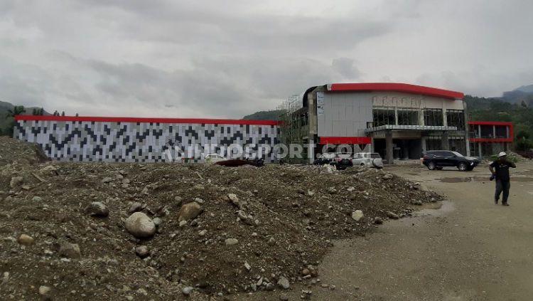 Nampak Luar Gedung Venue Cabor Menembak Indoor PON XX Papua. Copyright: © Sudjarwo/INDOSPORT